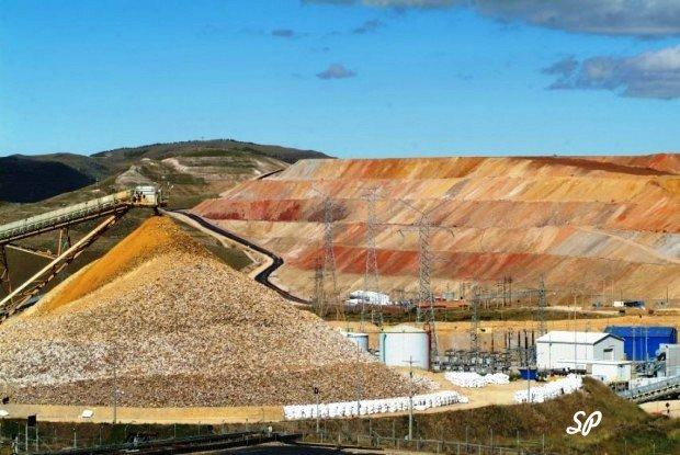 золотобывающий карьер в ЮАР