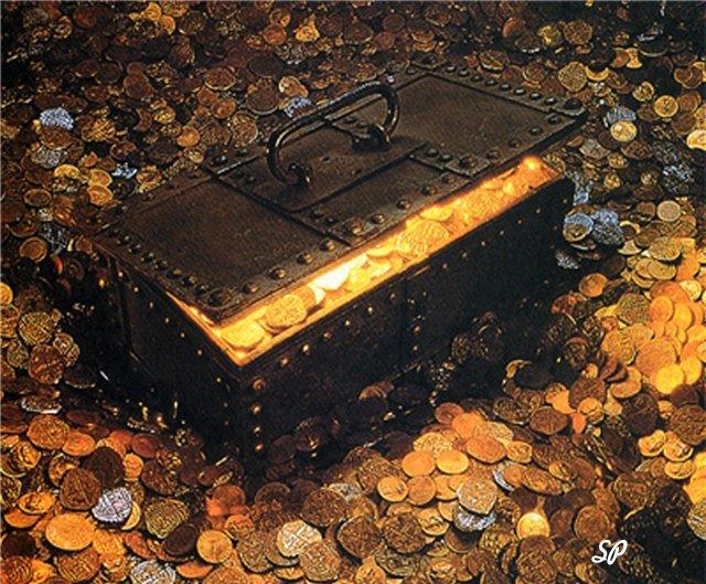 Сундук, стоящий на груде золотых монет, окованный железом с приоткрытой крышкой, из-под которой видны золотые монеты