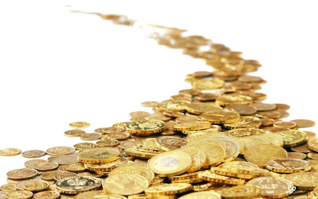 Дорожка из золотых монет на белом фоне