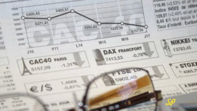 Листок с графиками и расчётами крупным планом