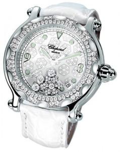 Оригинальные часы, инкрустированные драгоценными камнями марки Chopard