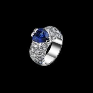 Серебряное кольцо с драгоценными камнями марки Piaget