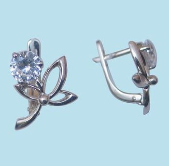 Серебряные серьги с бриллиантом марки Яшма