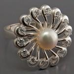 Перстень с жемчугом стоимостью 311 гривен