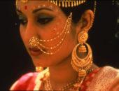 Индийская девушка в золоте