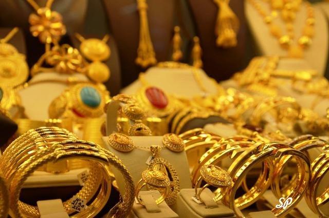 Золотые украшения в продаже