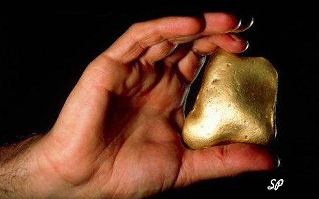 рука, золото, человек держит золото, золото в руке человека