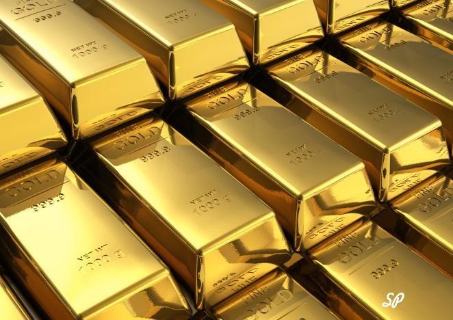 золотые слитки высшей пробы, расположенные рядами