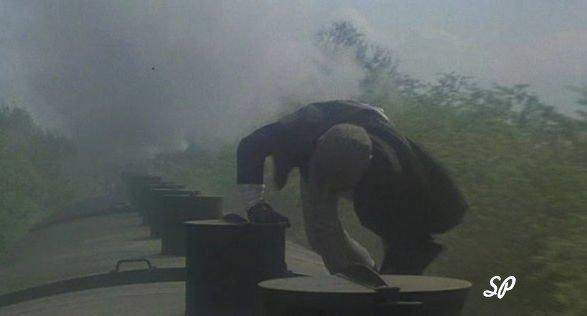 """Фильм 1979 года """"Большое ограбление поезда"""" - Пирс на крыше поезда"""