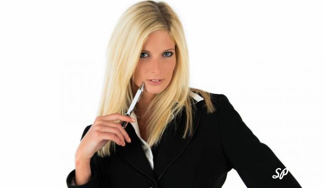 Строгая одежда - стиль деловой женщины в офисе