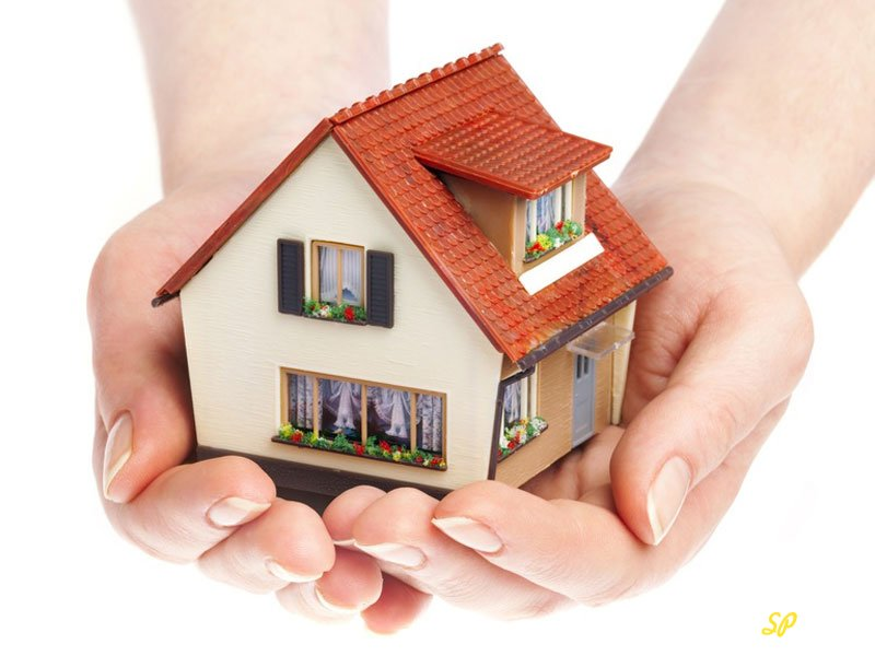 Дом в руках
