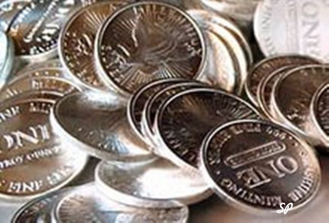 Россыпь серебряных монет