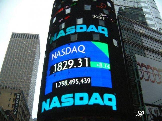 Индекс Nasdaq на экране