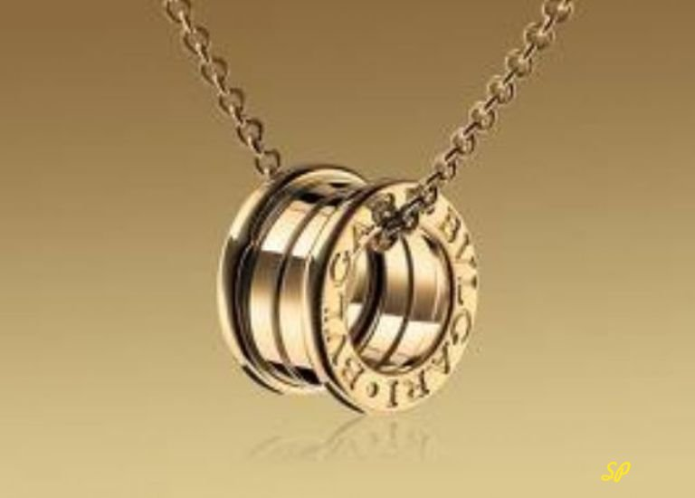 Золотое массивное кольцо на цепи