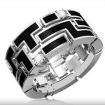 Кольцо из белого золота с бриллиантами стоимостью 146 590 рублей