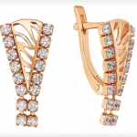 Золотые серьги с фианитами стоимостью 14 051 рубль