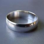 Обручальное кольцо стоимостью 93 гривны